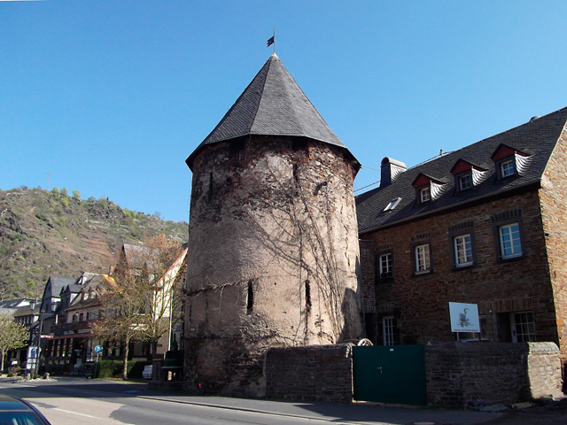 04 Erhaltener Wehrturm 1256